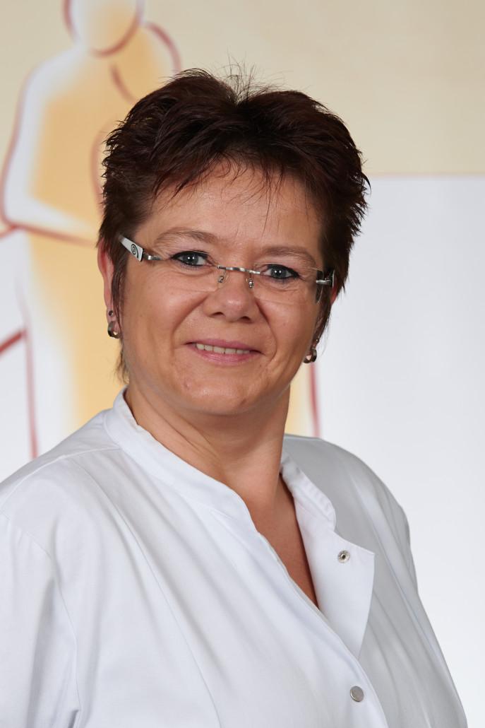 Hygienefachkraft: Marion Kudzelka