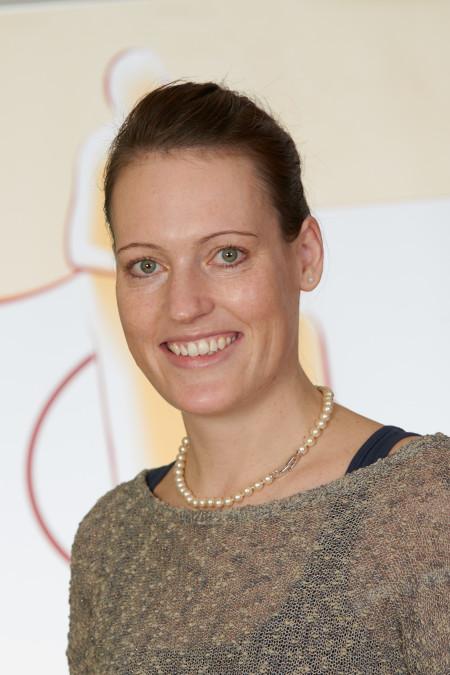 Alexandra Dohse, Hebamme